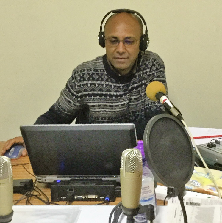 producer organises the recordings